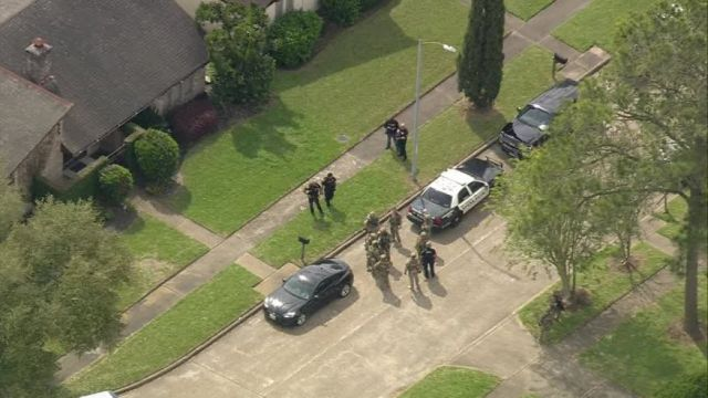 Police at the shooting scene. (Fox 26)