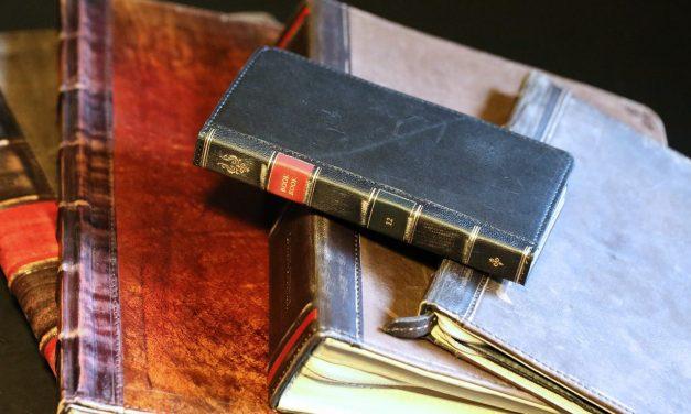 Classic Books: 10 Classic Books Everyone Should Read