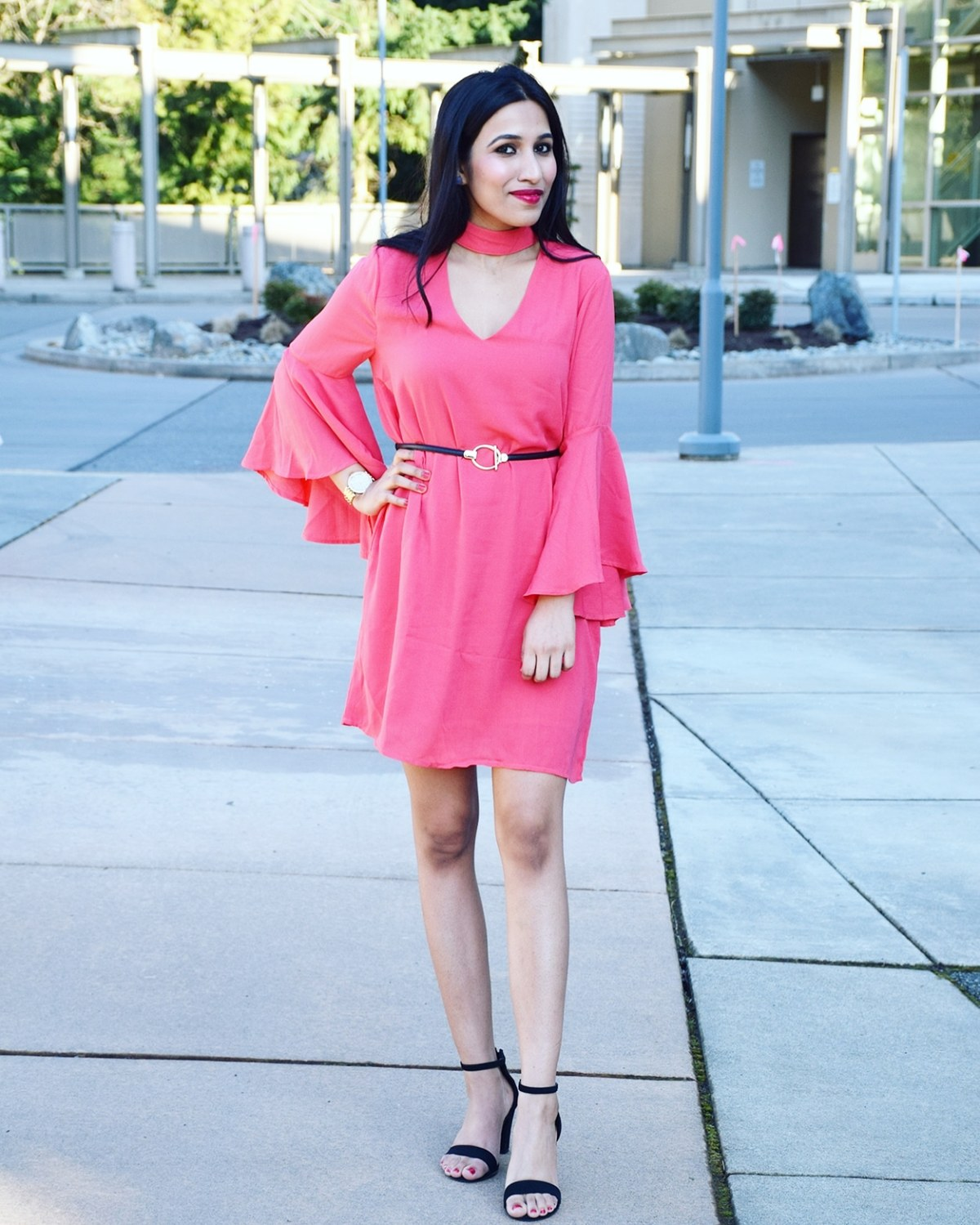 https://www.pinkblushmaternity.com/p-47024-coral-solid-mock-neck-ruffle-sleeve-dress.aspx?DepartmentID=2