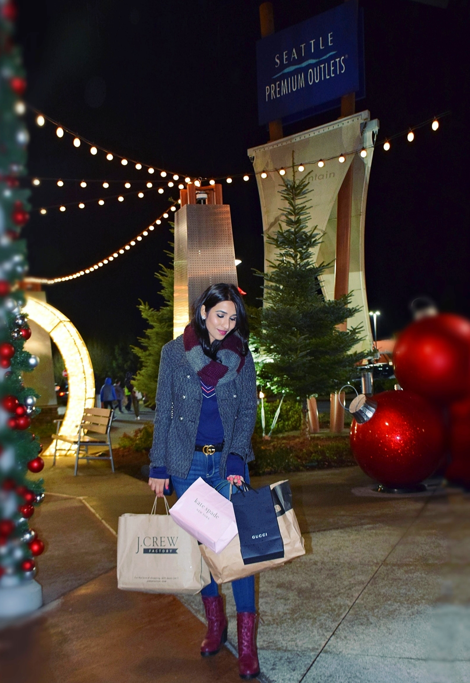 Holiday Outlet Sale At Seattle Premium Outlets