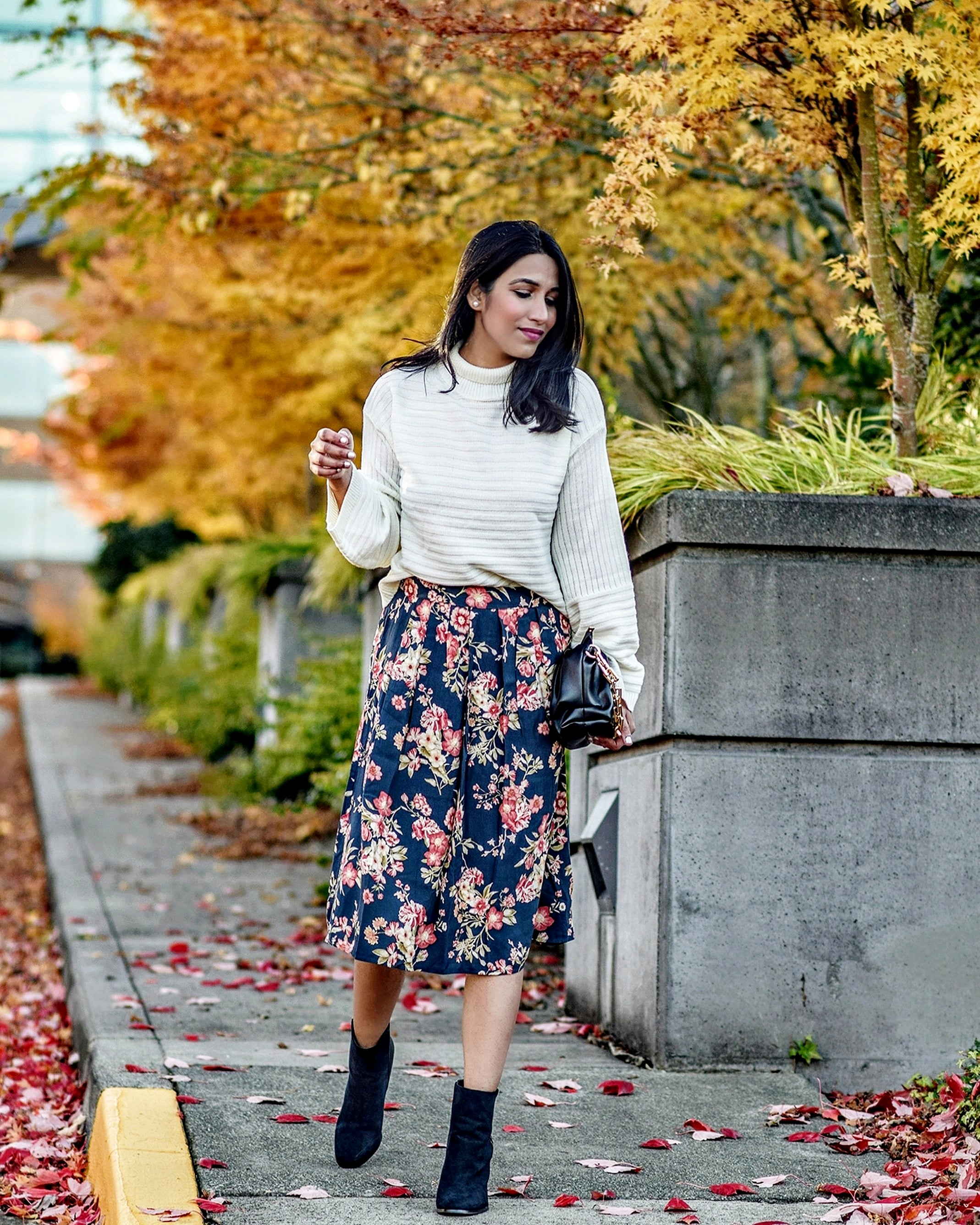 Ways to style sweaters, pullovers, turtleneck, knitwears- easy and stylish winter/fall outfits | WhyToStop
