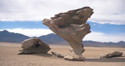 Soul-bouldering in the Salar de Uyuni, Bolivia