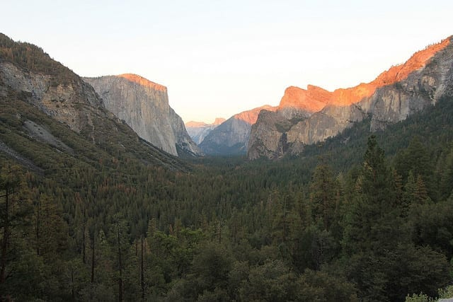 The Stunning Views of Yosemite - The Best Hostel in the US