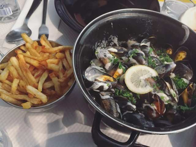 You MUST find mussels while in Bordeaux - A Guide to Bordeaux