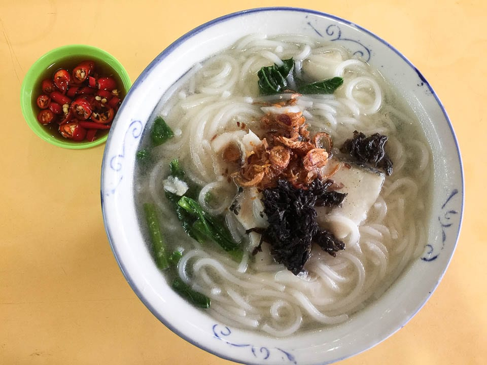 Be Sure to Eat Fish Soup - One of the Hawker Foods in Singapore