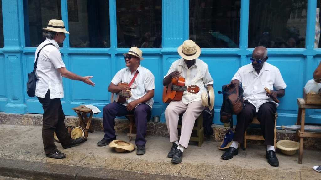 Musicians in the Street in Cuba - How Much Does It Cost? A Week in Cuba