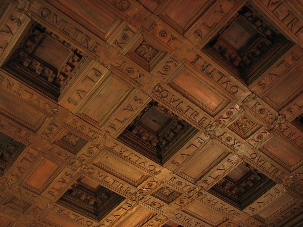 Panel Kayu di Istana Charles V