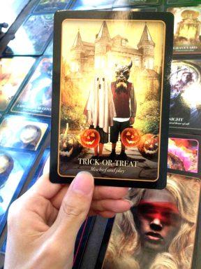 2020101603 divination by halloween Tarot
