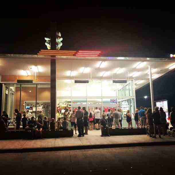 night time crowd at Andy's Frozen Custard in Wichita