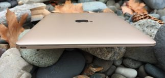 macbook review side