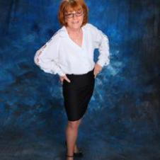 Author Pic - Callie Hutton