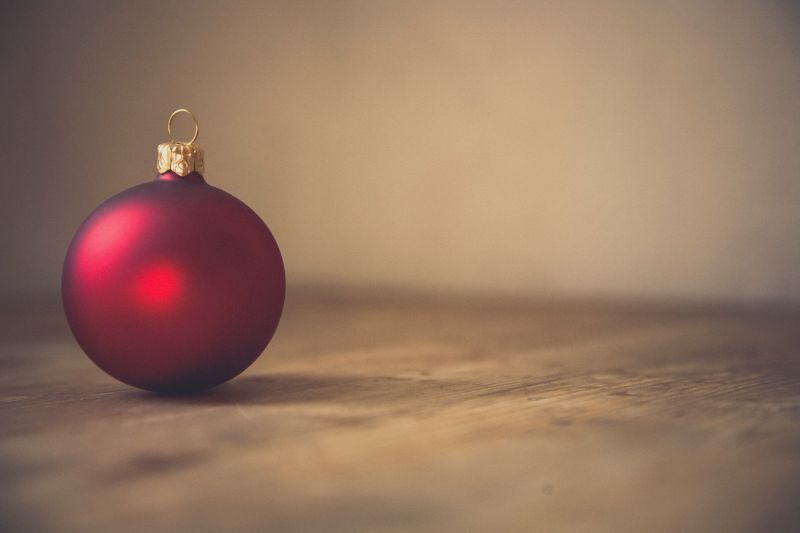 A simple image of a red Christmas decoration
