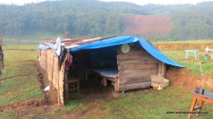 Classic temporary shelter - this one functioning as a tea house (guest house?), we camped behind it.