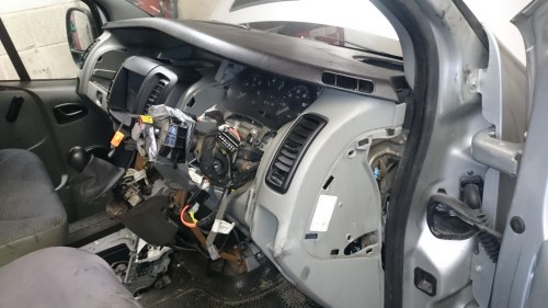 small resolution of renault trafic dci 2004