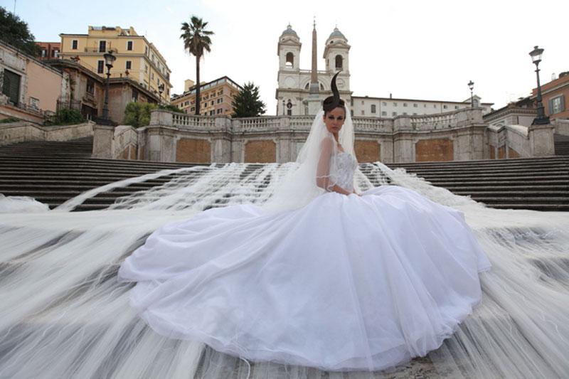 Das Teuerste Brautkleid  Wie Gross  Wie Schwer Wie Weit