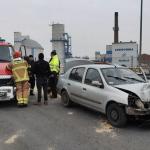 Samochodem osobowym uderzył w barierę ochronną