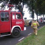 Wypadek Więcbork – Złotów: Samochód osobowy uderzył w drzewo.