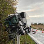Kolizja samochodów ciężarowych w Obkasie