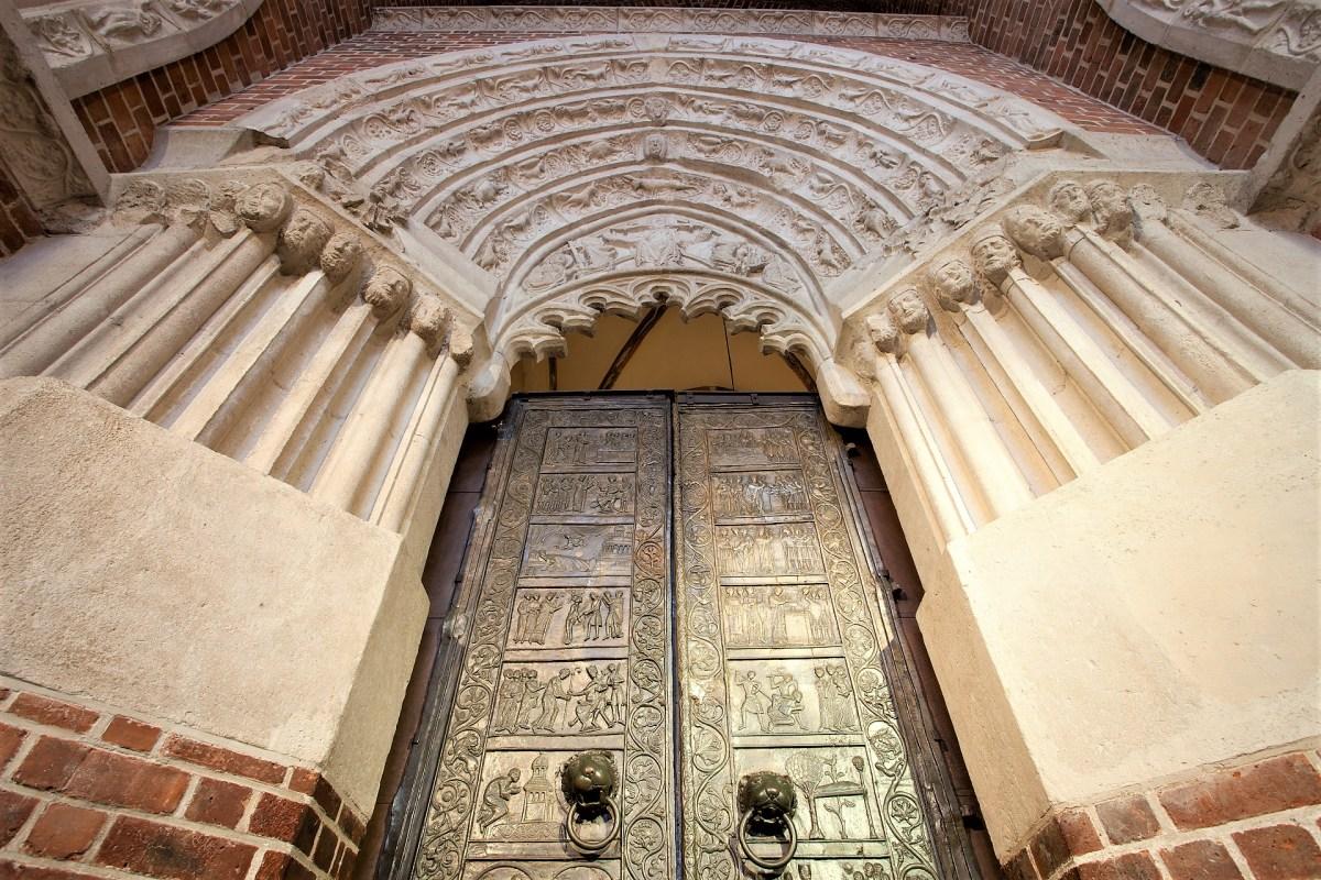 Portal Drzwi Gnieźnieńskich