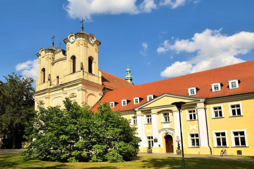 klasztor w Obrze