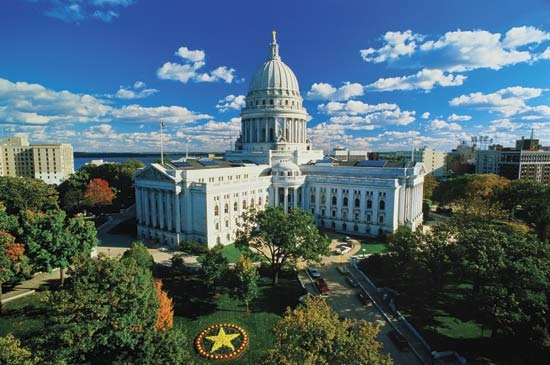 Wisconsin Act 192 relating to: renewals and extensions of business contracts.