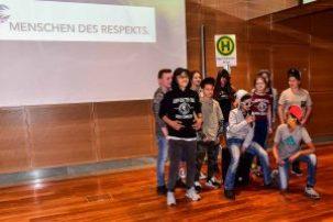 Ausgezeichnet: 15 Schüler der Förderstufe der Albert-Schweitzer-Schule (ASS) in Groß-Zimmern. Bild: Volker Watschounek