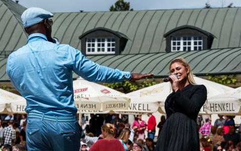 Ron Jackson und Linda Teodosiu beim inoffiziellem Song Battle. Bild: Ralf Brinkmann