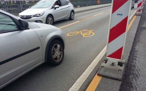 Radverkehrsführung während der Sanierung der Theodor-Heuss-Brücke. Bild: Tiefbau- und Vermessungsamt