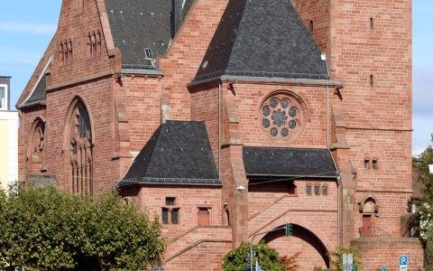 Die denkmalgeschützte Oranier-Gedächtniskirche in Wiesbaden Biebrich. Bild: Hessen Kulturdenkmal auf wikipedia