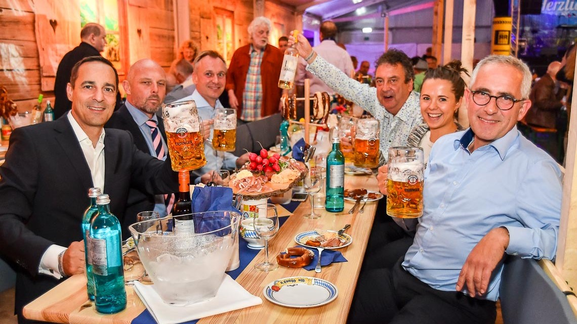 S Oktoberfest z'Wiesbaden is ereffned