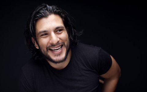 Aufgewachsen in Ost-Berlin und Santiago de Chile entstammt Francisco Medina einer Theaterfamilie. Da wundert es nicht, dass er in die Fußstapfen tritt. Bild: Mike Meyer