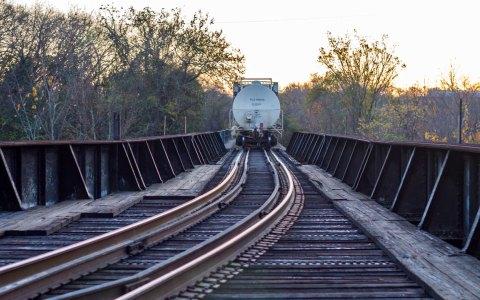 Lärmaktionsplan Industrieanlagen und Eisenbahnstrecken tritt in Kraft. Bild: Flickr / CC-BY-3.0 / Guyvon Cumby