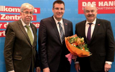Hauptgeschäftsführer Bernhard Mundschenk, Andreas Haberl und Kammerpräsident Klaus Repp. ©2017 Volker Watschounek