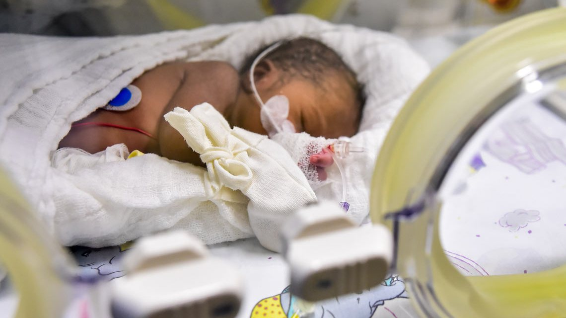 Neujahrsbaby in den Helios Horst Schmidt Kliniken. ©2017 Volker Watschounek