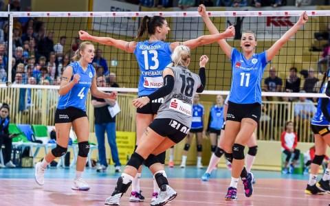 Die Damen des VCW präsentierten sich zum Rückrundenauftakt schon richtig stark. Nach drei Sätzen stand es 3:0 für Wiesbaden. Da konnte einem der VFB Suhl Lotto Thüringen schon etwas leid tun. ©2018 Volker Watschounek