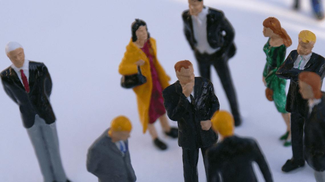 Symbolfoto: Messetreiben, Gespräch suchen ... Ansprechpartner finden. ©2018 Stephanie Hofschlaeger / pixelio.de