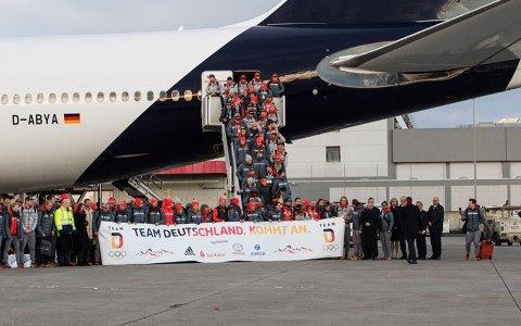 Rund 80 Athletinnen und Athleten landen in Frankfurt und lassen sich feiern. ©2018 DOSB