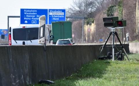 Blitzer, Unangekündigte Geschwindigkeitsmessung der Verkehrspoliozei auf
