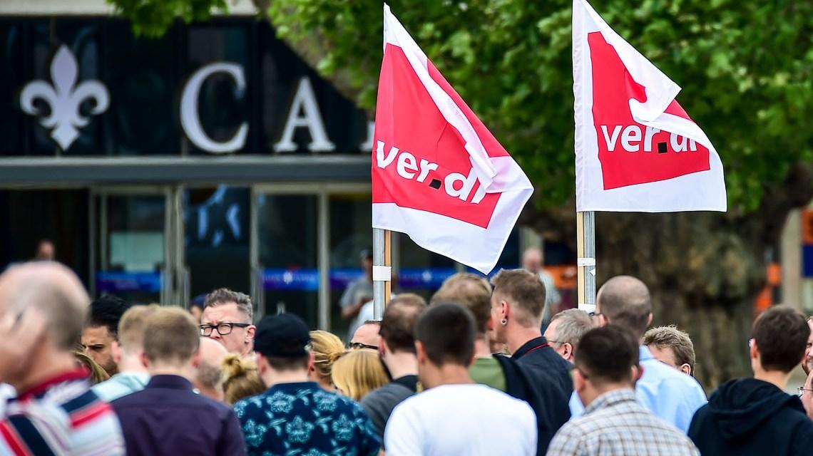 Demo, Angestellte im öffentlichen Dienst sind aufgerufen die Arbeit nieder zu legen. ©2018 Volker Watschounek
