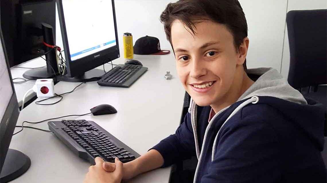 Markus Perle geht in die 10. Klasse der Wiesbadener Gutenbergschule und studiert. ©2018 Hochschule RheinMain