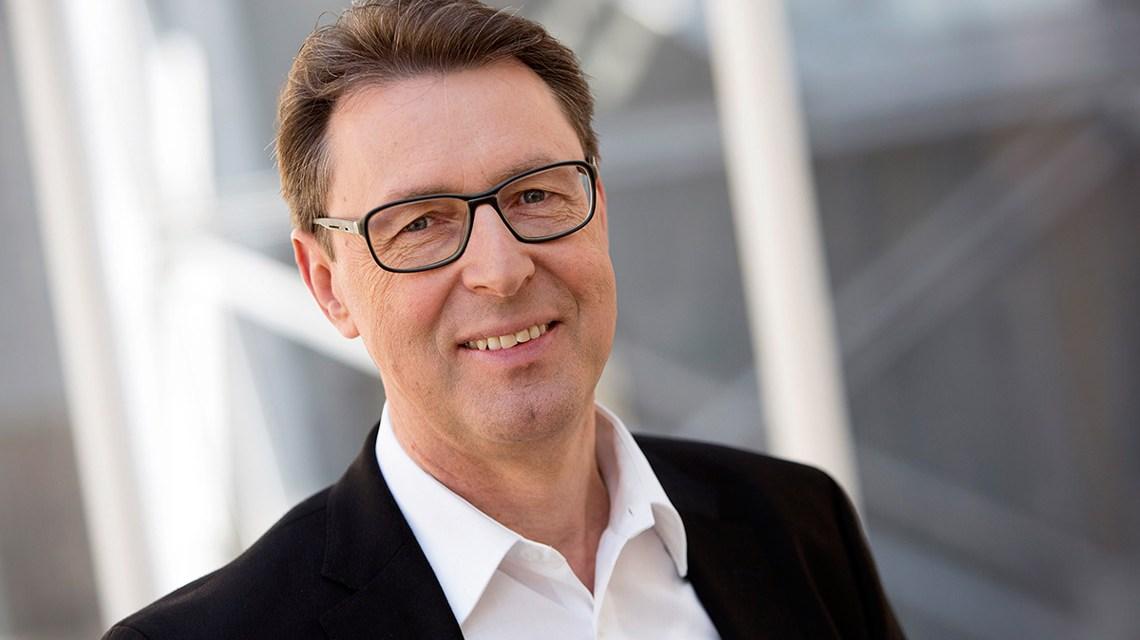 Arthur Landwehr ist neuer Honorarprofessor im Fachbereich Design Informatik. SWR/Monika Maier