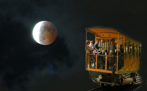 Mit der Nerobergbahn dem Mond entgegen. ©2018 Fotomontage, Stadt Wiesbaden / Flickr / CC BY 2.0 / Zengame