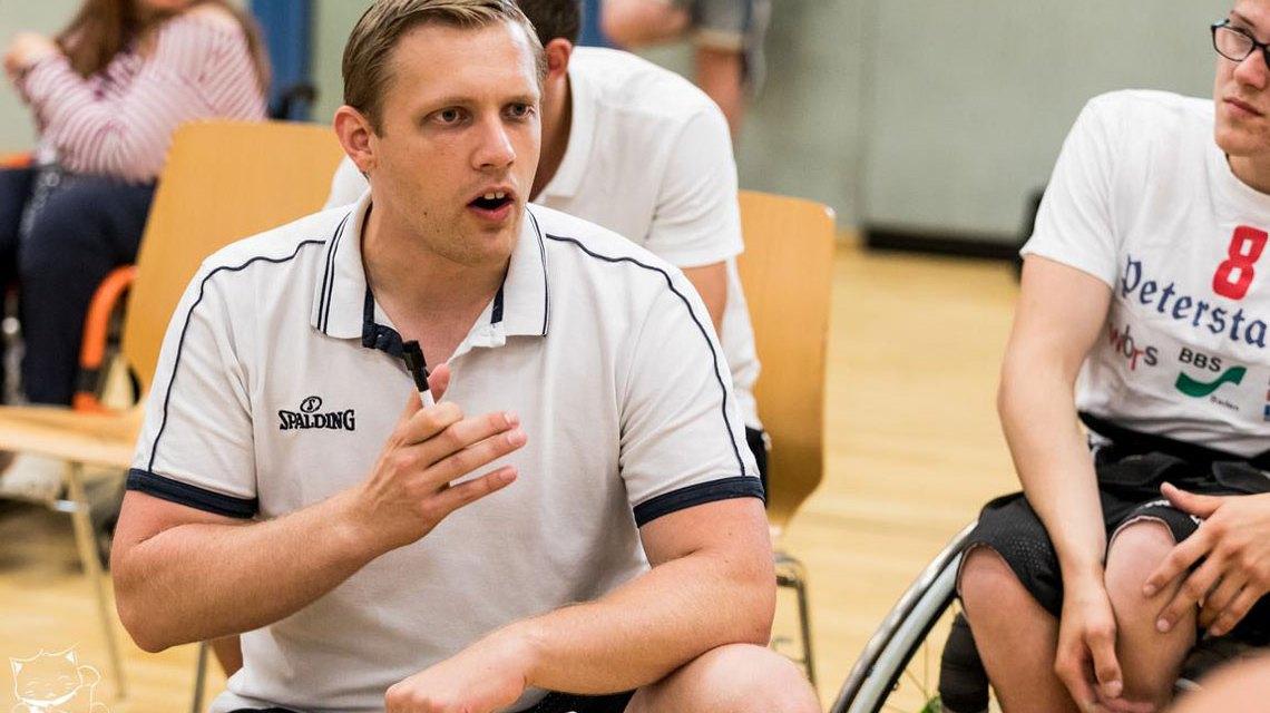 Der neue Head-Coach der Rhinos Sven Eckhardt im Einsatz. ©2018 Stefie Wunderlich