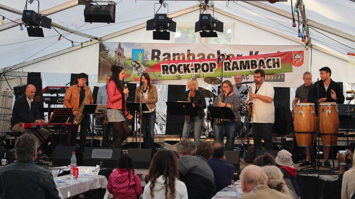 Nahtlos schließt sich eine Folge von alten und neuen Pop-Songs an, beim Festival Rock-Pop-Rambach. ©2018 Rock Pop Rambach