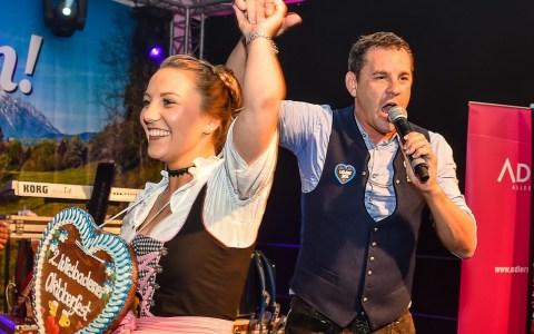Bayernparty, Wildbach und Miss Dirndl Wahl sind die Keyword zur Abschieds- und Wiedersehensparty beim 2. Wiesbadener Oktoberfest.
