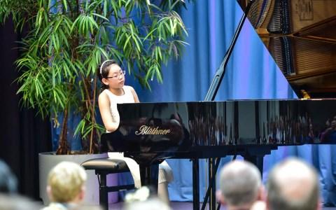 Klavierfest am 9. November – Archivbild: On-You Kim gewinnt den ersten Preis in ihrer Altersgruppe. Im Kulturforum spielt sie Variationen über ein Thema von Paganini. ©2018 Volker Watschounek