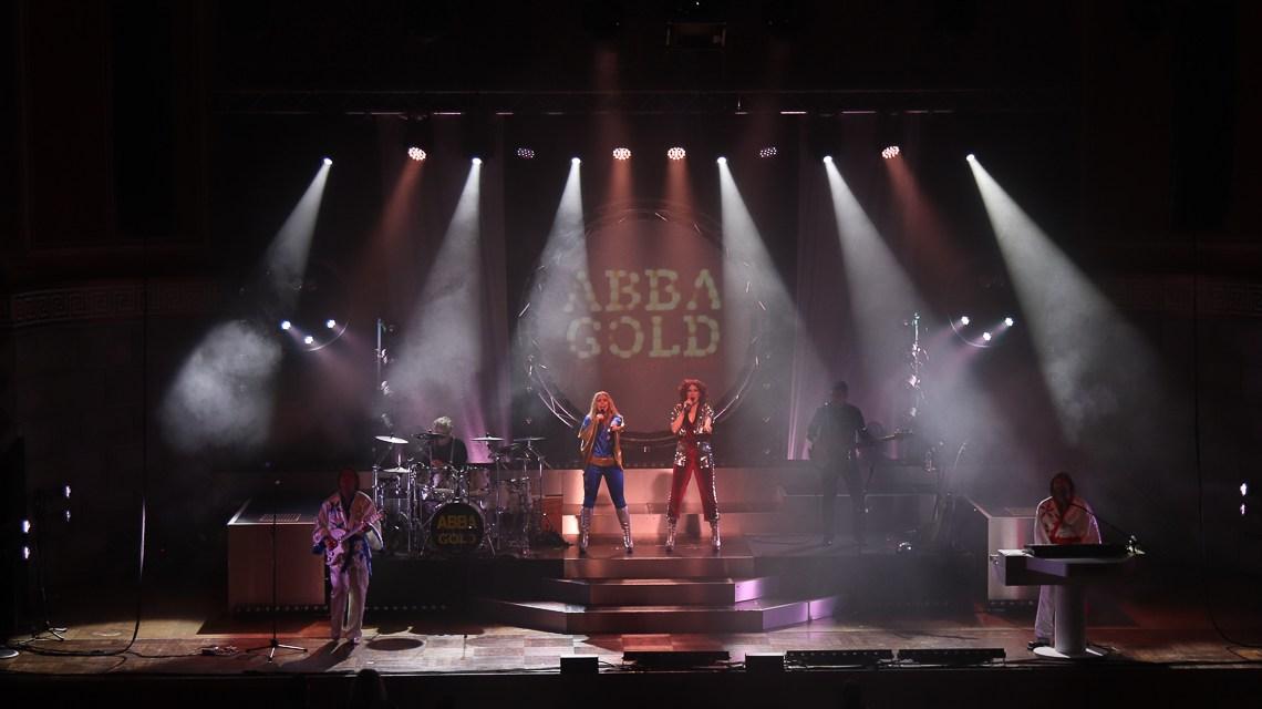 Die ABBA-Fans sangen textsicher mit
