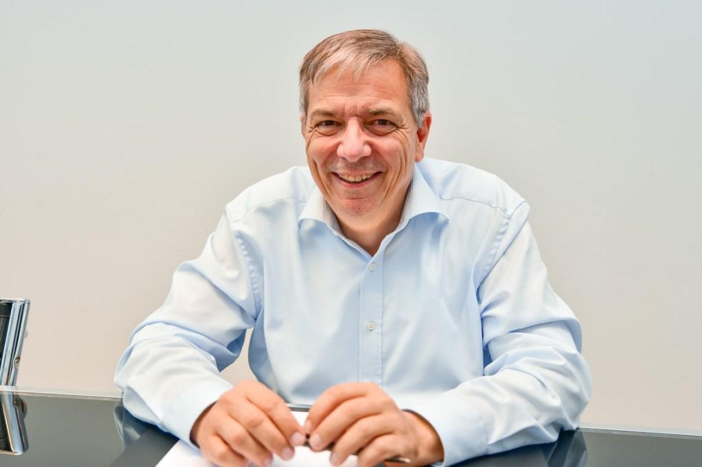 Gert-Uwe Mende im Konferenzraum