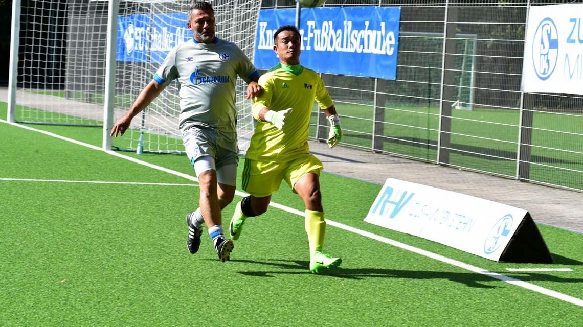 Schalke 04 zu Gast in Wiesbaden
