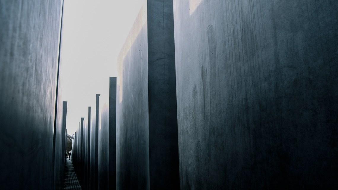Fachtag zur Antisemitismusprävention - Memorial to the Murdered Jews of Europe 6 | Denkmal für die ermordeten Juden Europas 6 | Flickr | Juan de Dios Santander